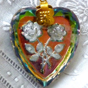 Jewelry - REVERSE CARVED GLASS FOILED HEART ROSES PENDANT
